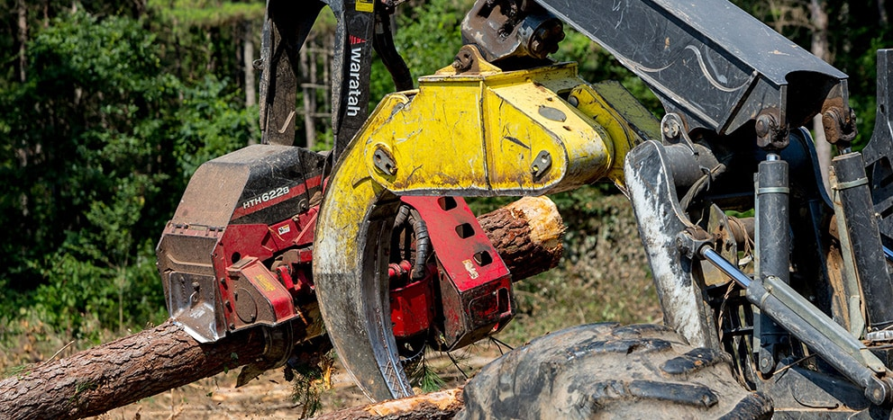 Deere grapple and waratah head