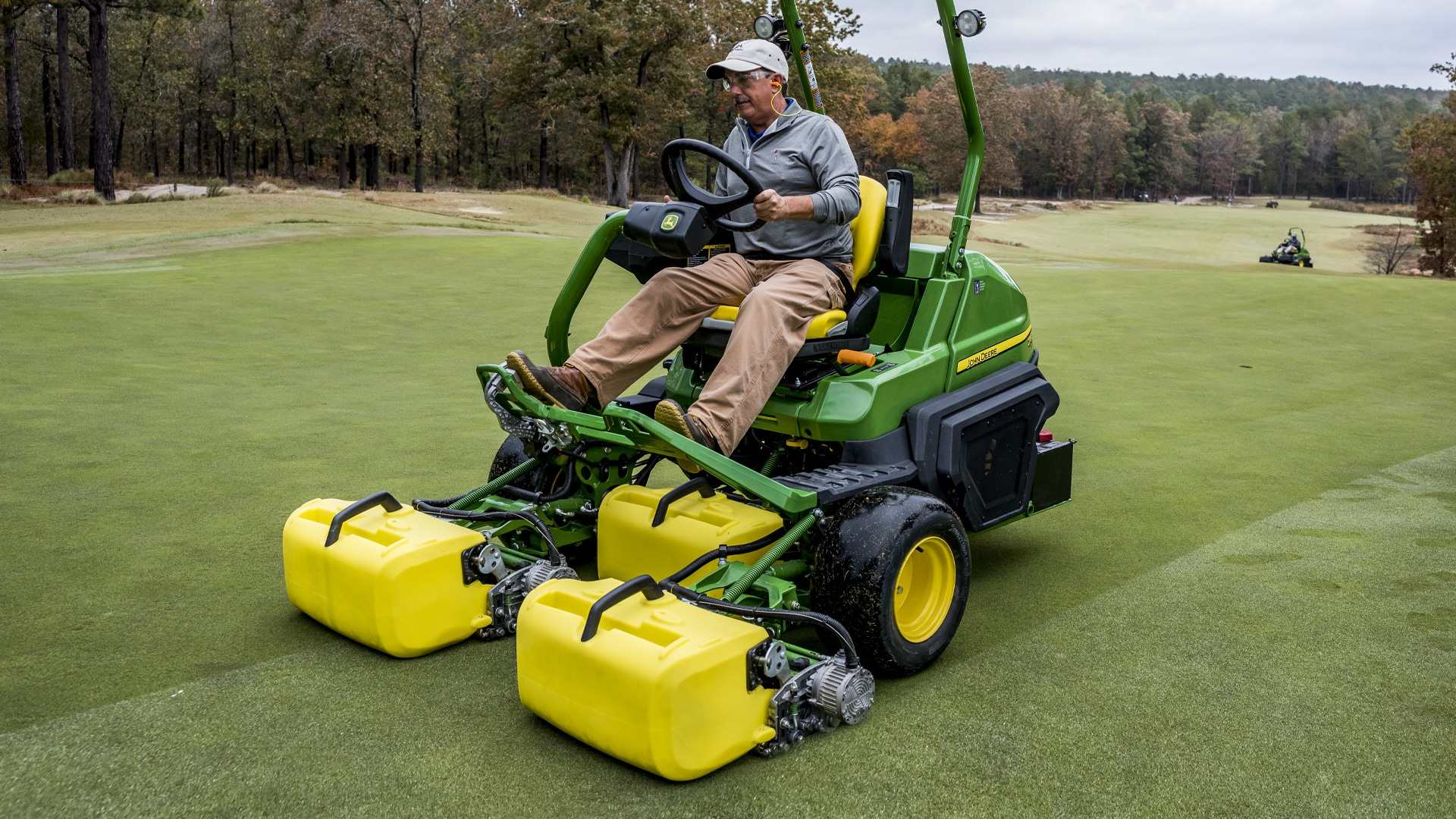 Introducing the 8700A PrecisionCut™ Fairway Mower